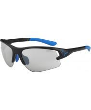 Cebe Cbacros4 em óculos de sol pretos